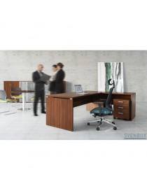 Ławka ŁO16. Stelaż metalowy, siedzisko drewniane listwy. Wymiary w mm (wys x szer x gł): 460 x 1600 x 440